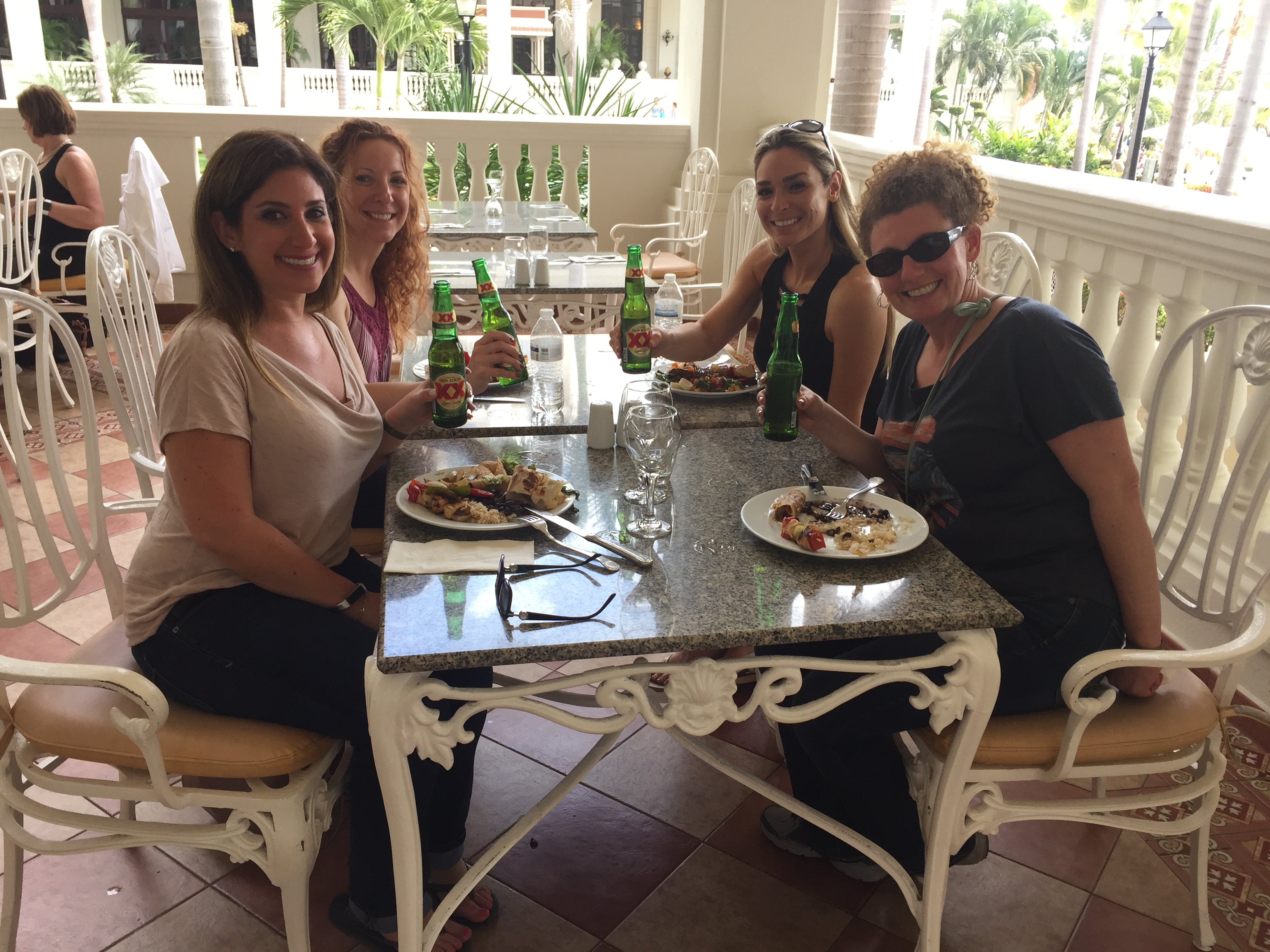 Lunchtime at the Riu Puerto Vallarta